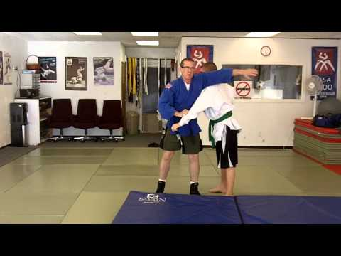 Belt Grip Throws Part 2: Harai Goshi Image 1