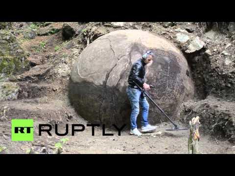 ボスニア・ヘルツェゴビナで発見された人口で作られた石の球