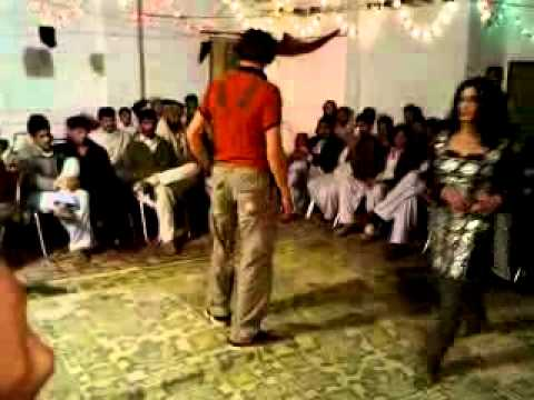 peshawar dj programe  faraz khan  dance by english song dangrous.flv