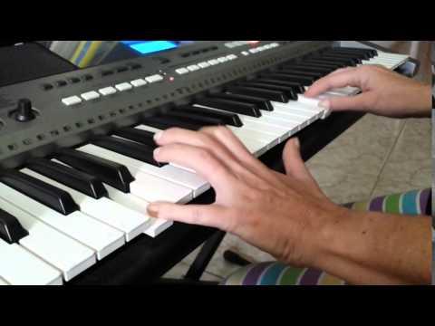 Amelie   Le Moulin  (mi version) Yann Tiersen  Piano