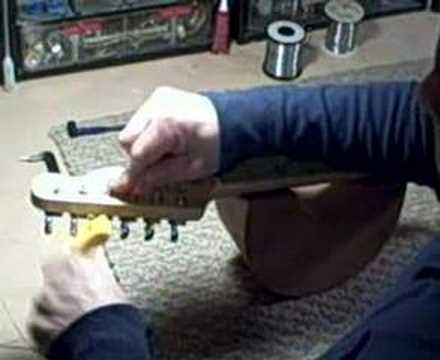 Change Strings on a Fender Guitar by Billy Penn 300guitars.com