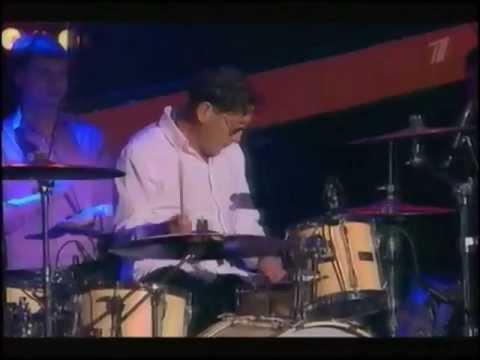 Григорий Лепс играет на барабанах!!!
