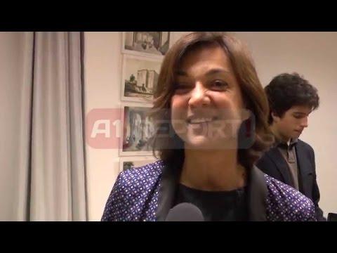 "A1 Report – Gazetarja Daria Bignardi vjen ne Tirane me ""Akustika Perfekte"""
