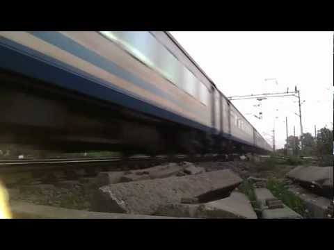 Ultra Low Angle Of Wap-5 With 12010 Shatabdi Express At Nvs Outer!!!!! video