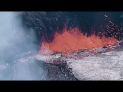 KÄ«lauea Volcano, HalemaÊ»umaÊ»u Crater, Summit Vent Lava Lake (4K B-Roll)