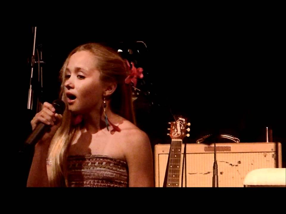 SunshinePatey Hoplessly Devoted to You ( Cover) - YouTube