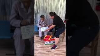 Thăm và tặng tiền cho ông Cụ ở Đồng Tháp trong chuyến đi 29.4.2018 cùng với gia đình bạn Châu