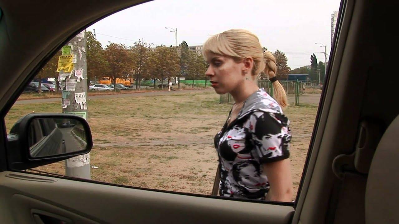 Выебал симпатичную девчонку за деньги в машине этом