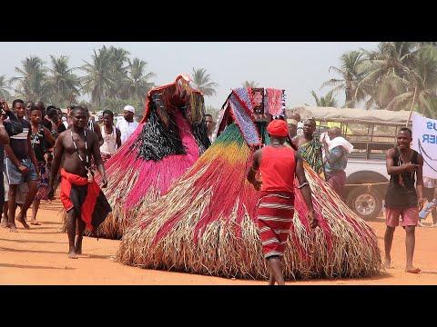 Culto a Bab� Eg�n na �frica.Benin Zangbetos.