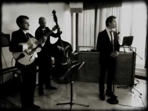Beispiel: Jazz Trio Vocal Invitation live @ Pan Am Lounge #2, Video: Vocal Invitation.