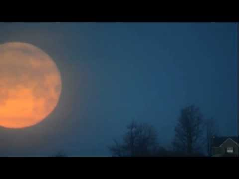 Full Moon Set Captured By Amateur Astronomer In Upstate N.Y. | Time-Lapse Video