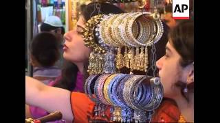 Download Pakistan prepares for the Eid celebrations 3Gp Mp4