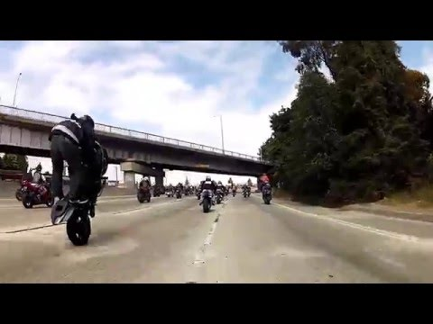 Crazy Motorcycle Stunts and Police Chases