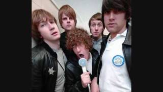 Watch Pigeon Detectives Dickead video