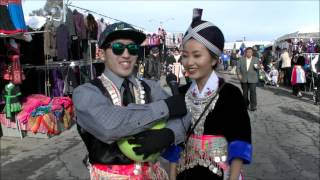 Asking Hmong Girls to Kwv Txhiaj (Neeyay) |Merced New Years| 2015