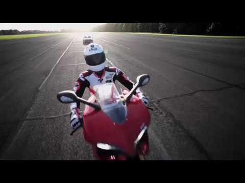 200mph Drag Race: Porsche GT2 RS v. Ducati 1199 Panigale - CHRIS HARRIS ON CARS