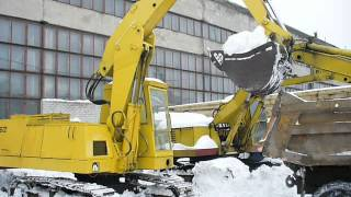 "Old KM-612 Warynski excavator loadin"" snow"