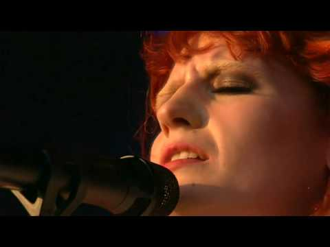 [HD] Florence + The Machine - You've Got The Love (GF 2010)