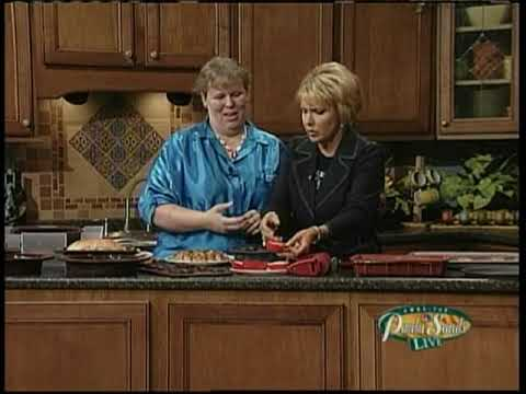 Paula Sands Live KWQC 21 05 2009 Cindy with silicone bakeware