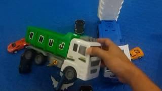Xe tải, máy xúc đồ chơi  - Car, truck, toy excavator - Coche, camión, juguete excavadora -   (32)