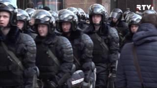 Антикоррупционные протесты в России: Навальный в изоляторе, ФБК опечатан
