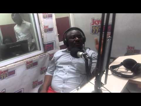 Okyeame Quophi sings for Stacey