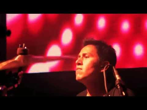 QUIQUE NEIRA Y PAPÁ CHANGÓ - FELICIDAD (versión en vivo)