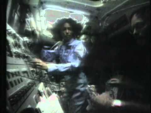 Space Shuttle Challenger Explosion, Teacher Christa McAuliffe Dies