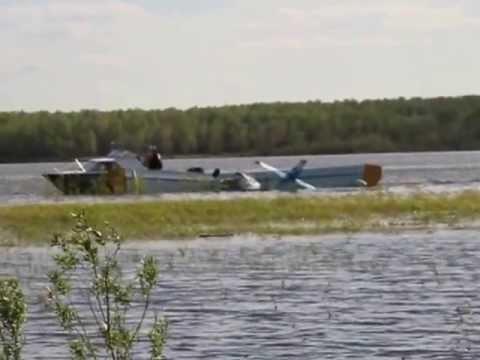Самолет в воде 1