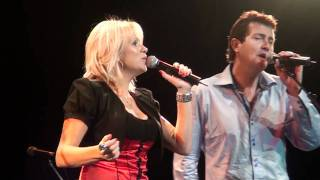 Download Lagu Adam Harvey & Beccy Cole - Islands In The Stream Gratis STAFABAND