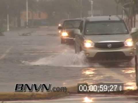 Hurricane Wilma Video - 10/24/2005 - Naples Florida - Part 12