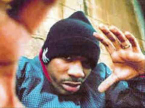 Busta flex prouve qu'il était le patron de l'improvisation sur ce freestyle qui pour moi est le meilleur que j'ai entendu en rap francais A noter aussi l'humilité de Sat et le talent de zoxea.......