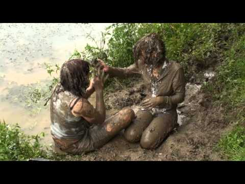 Tess and Valerie catfight in mud