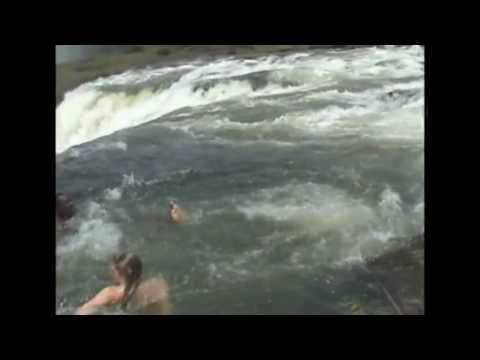 Cataratas victoria la piscina del youtube for La piscina del diablo