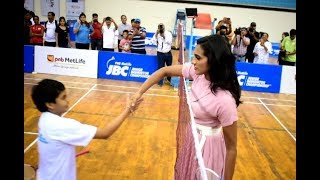 PV Sindhu plays with young badminton enthusiasts in Delhi| #JBC #JuniorBadmintonChampionship