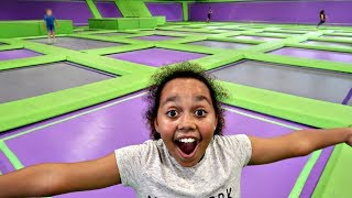 CRAZY TRAMPOLINE PARK CHALLENGE! Toys AndMe Family Fun video