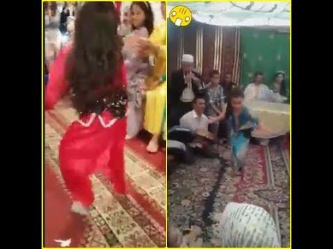 شوف بنات صغار لما يبدعن في الاعراس برقص شعبي نايضة thumbnail