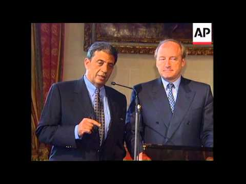 FRANCE: PARIS: EGYPTIAN FOREIGN MINISTER AMR MOUSSA VISIT
