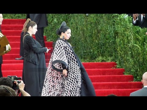 Lady Gaga & Rihanna arrives at the Met Gala 2015