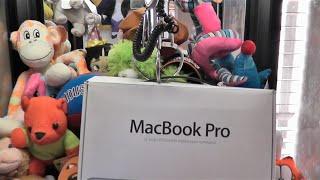 "13"" APPLE MAC BOOK PRO CLAW MACHINE WIN!"