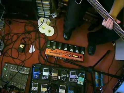 Loop-Jamming a Steve Hillage riff on acoustic guitar