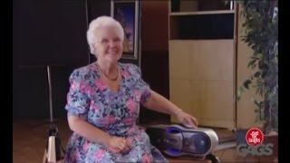 کلیپ واقعا خنده دار دوربین مخفی بامزه ترین و باحال ترین پیرزن های دنیا