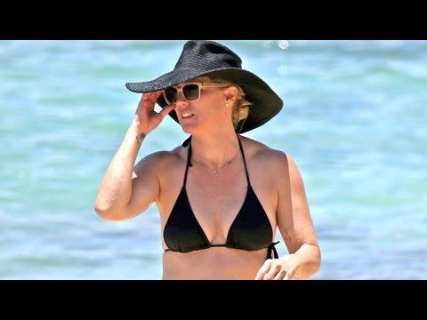 Jennie Garth Debuts Giant Thigh Tattoo at The Beach