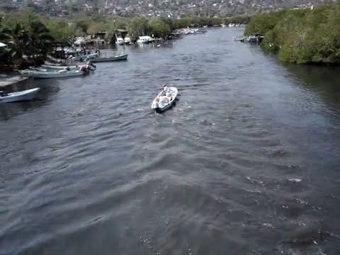 Tsunami en Zihuatanejo-Ixtapa, Guerrero, México -11 MAR 2011