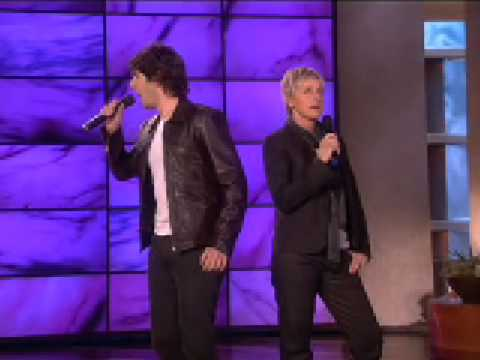 Josh Groban and Ellen Sing