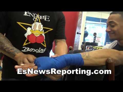 how pro boxers wrap hands