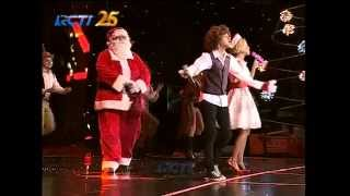 Nowela & Bastian Steel Santa Claus Is Coming To Town