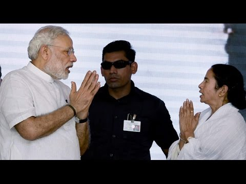 Narendra Modi Speech In Kolkata, Mamata Banerjee share stage