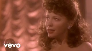 Клип Reba McEntire - Sunday Kind Of Love