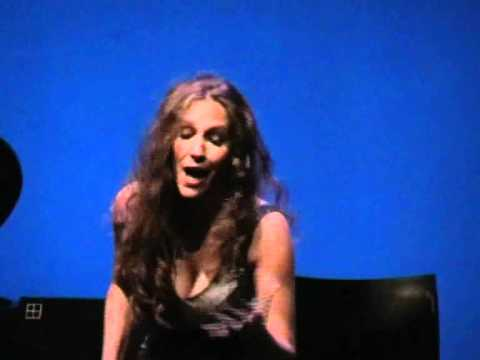 María Toledo -Fandango (a capella desde el teatro Circo Price)
